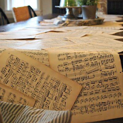 { Music Sheet Table Runner }
